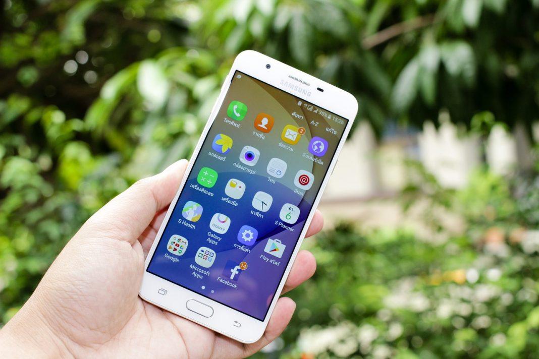 Любопитно! 10 съвета за безопасно използване на мобилен телефон