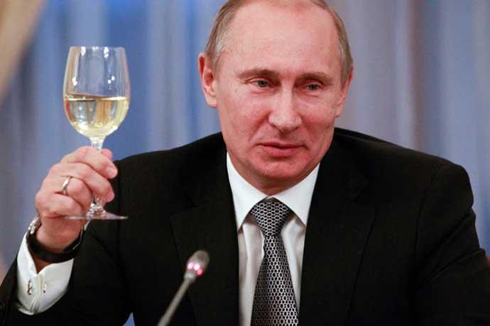 Владимир Путин поздрави българите за 3 март