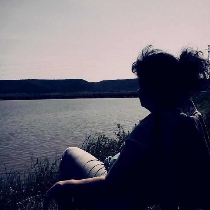 Една Българка каза : Удряла съм дъното толкова много пъти, че вече съм открила и лековитото свойство на калта там.