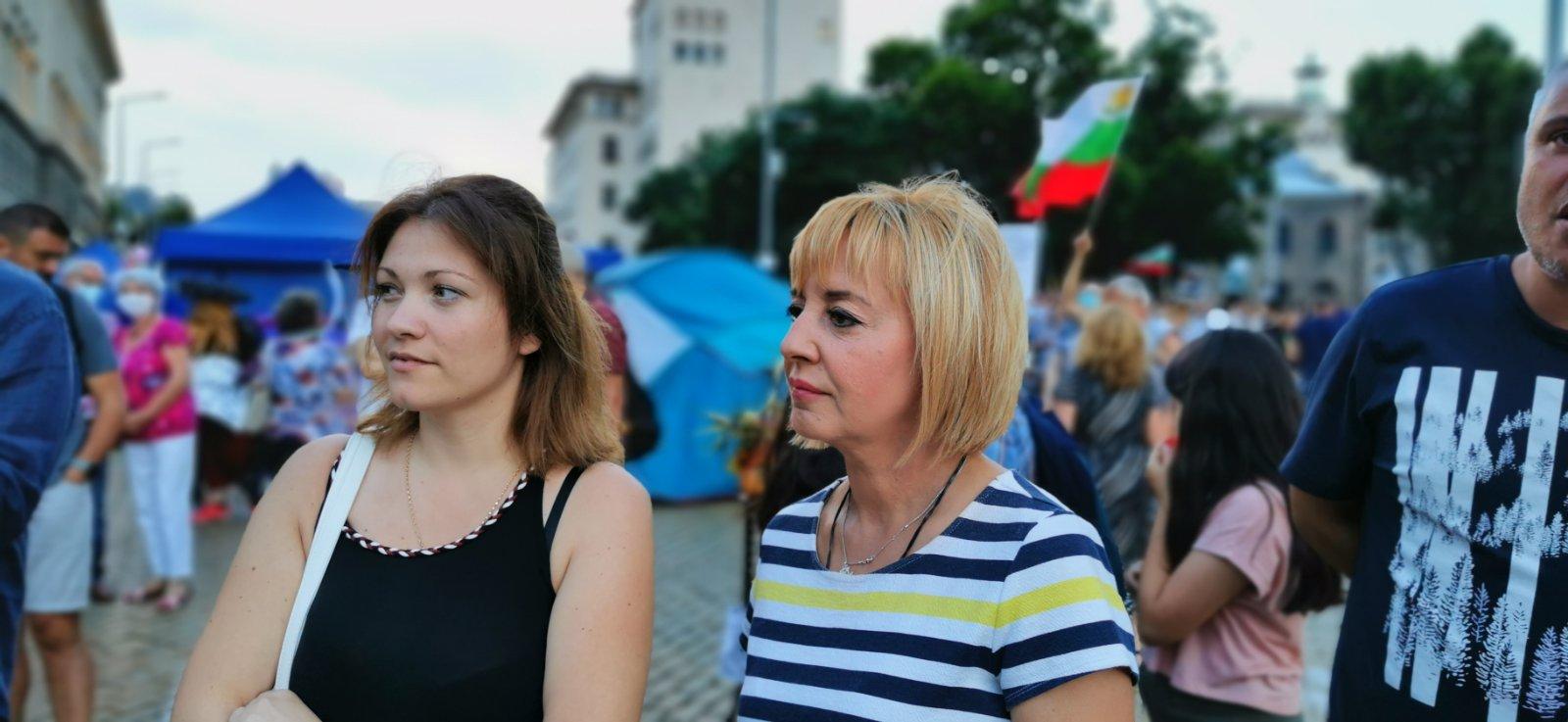 Манолова: Борисов и Фандъкова да се намесят и палатковите лагери да не се докосват със сила