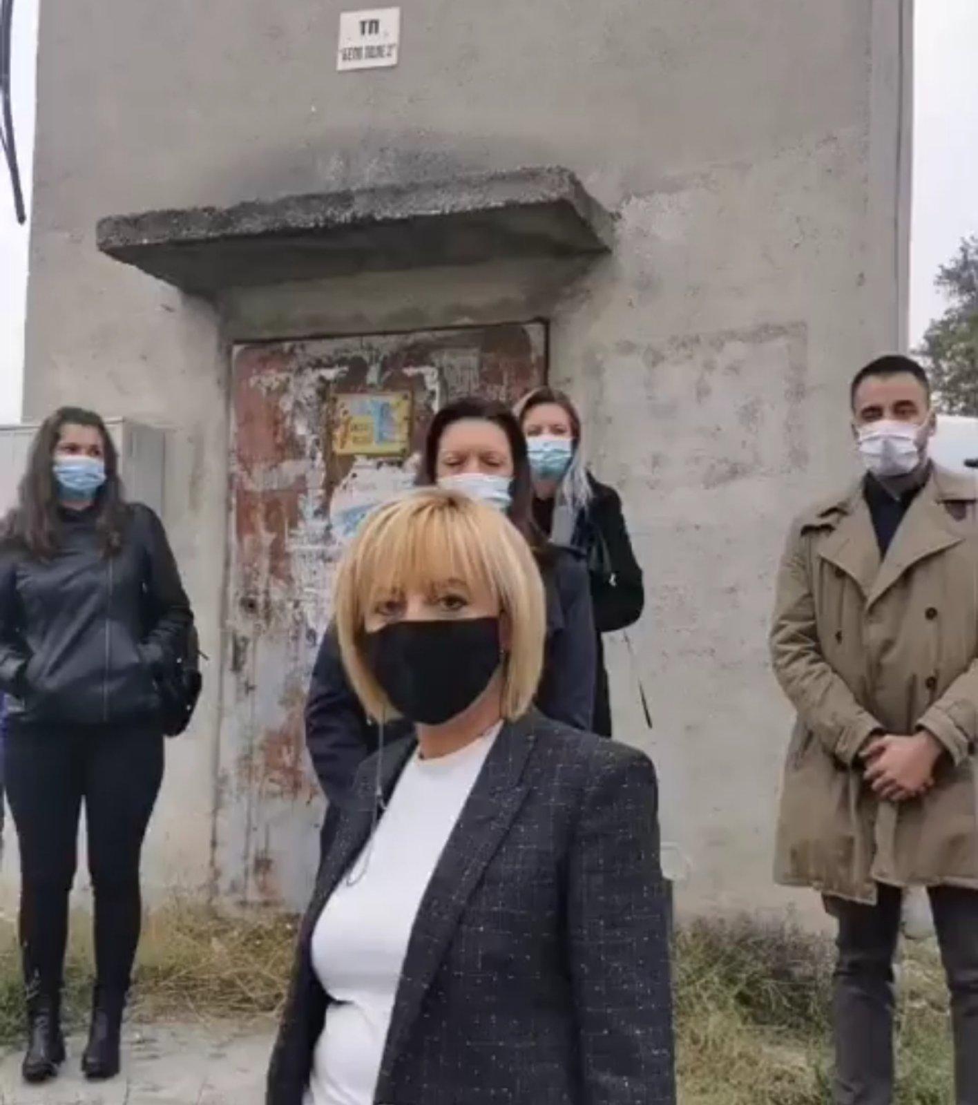Мая Манолова показа трафопост с 600 фалшиви регистрирани избиратели