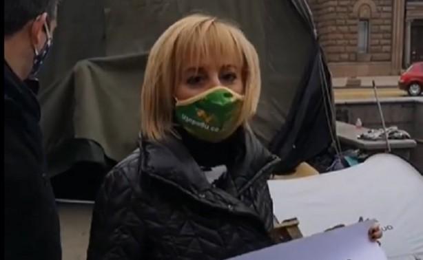 Манолова: Санкциите на ЕК срещу България за мръсния въздух са заради безхаберието на Борисов