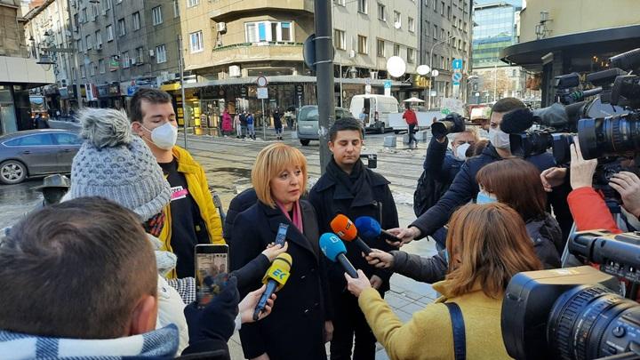 Манолова: Искаме оставката на шефа на ЦИК!