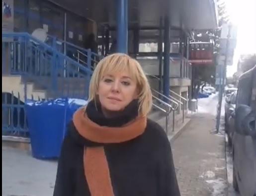 Манолова: Борисов да си озапти министрите и държавата да плати здравните осигуровки на хората от затворените фирми
