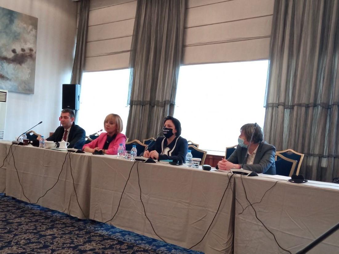 Манолова пред ПАСЕ: Манипулацията на вота може да се спре единствено от международни организации