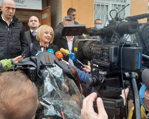 Мая Манолова: Гласувах за смяна на караула. Браво, българи!