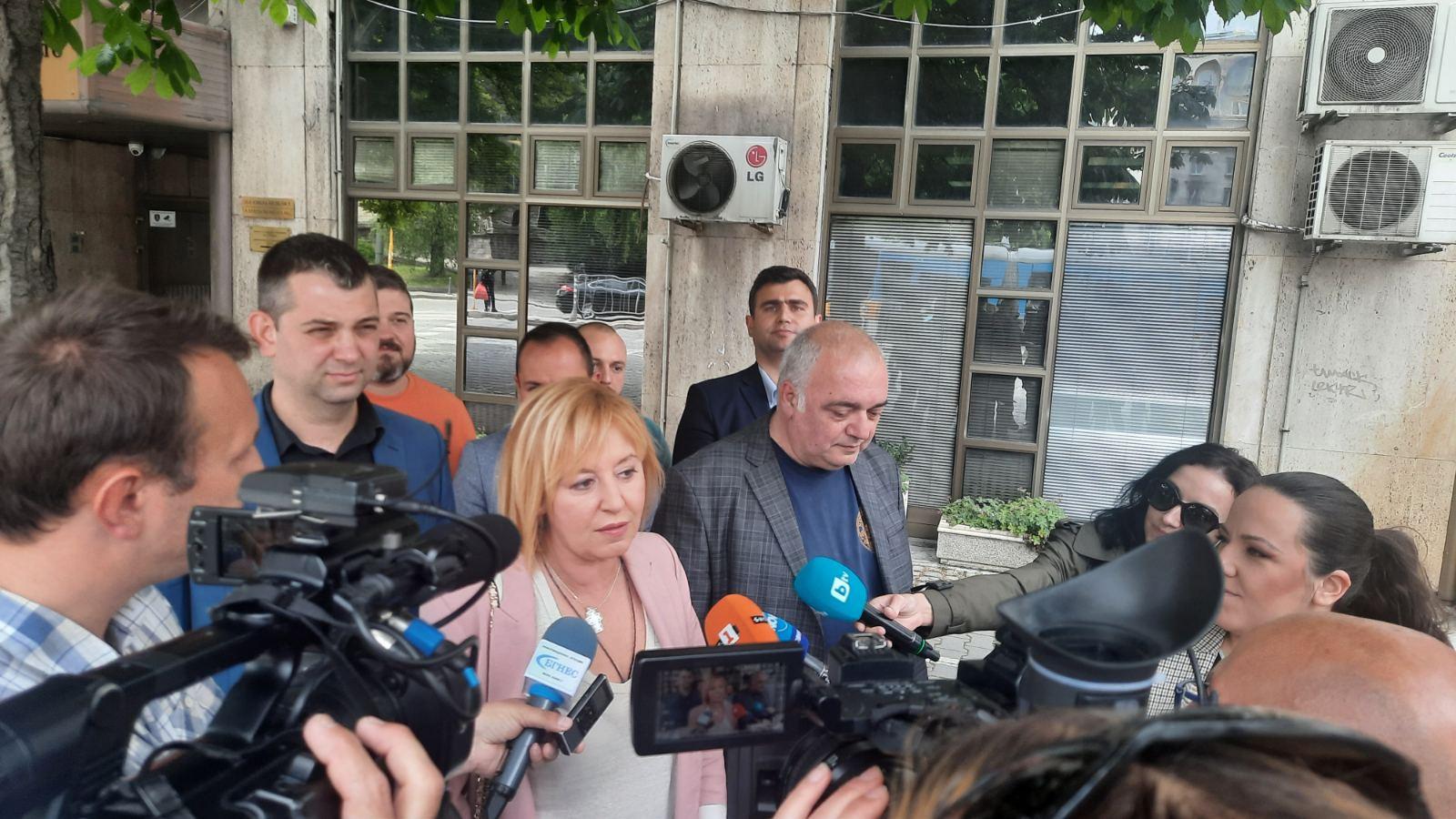 Манолова: Такова подслушване на опозицията може да е станало само със съгласието на Борисов