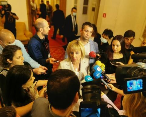 Манолова за позицията на ИТН: Не сме Фейсбук република. Осем комисии са на ИТН