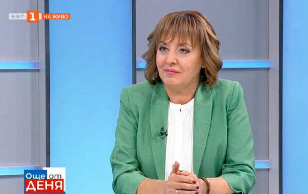 """Манолова: Здравният министър да отмени заповедта за """"зеления сертификат"""""""
